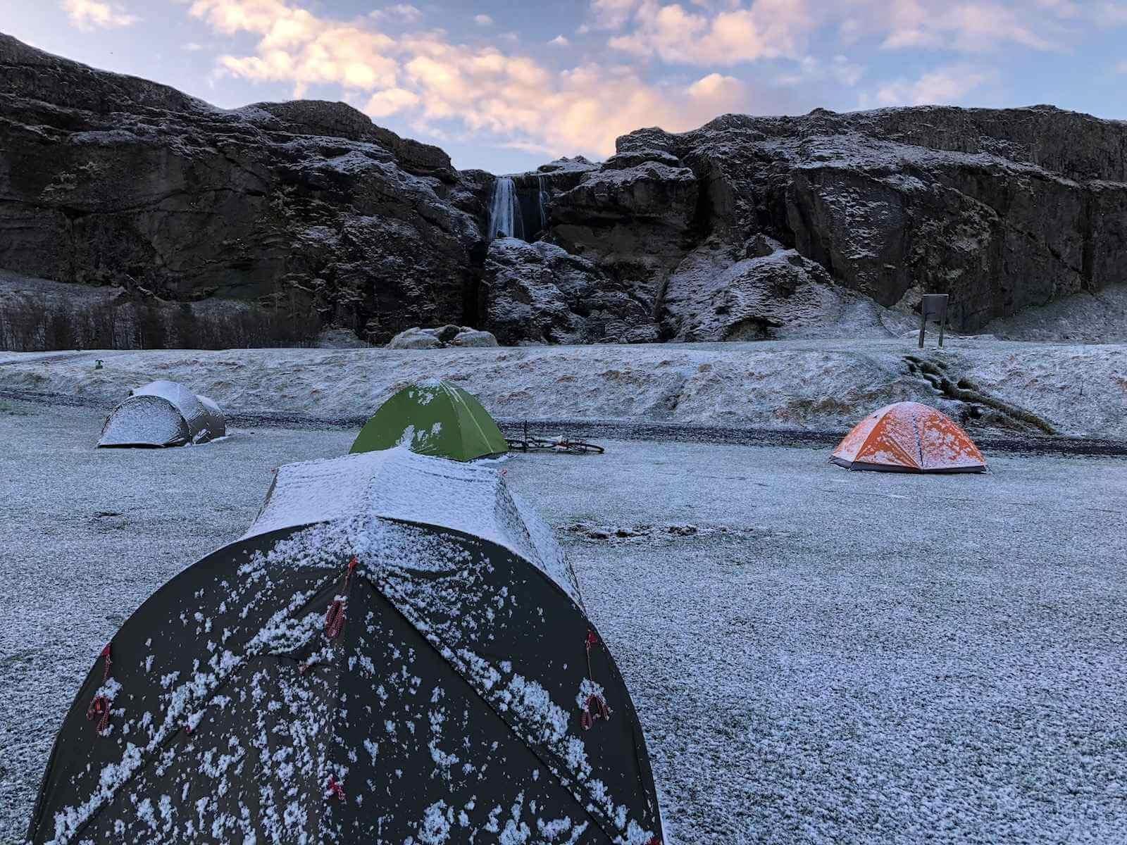 kamperen in ijsland is goedkoper