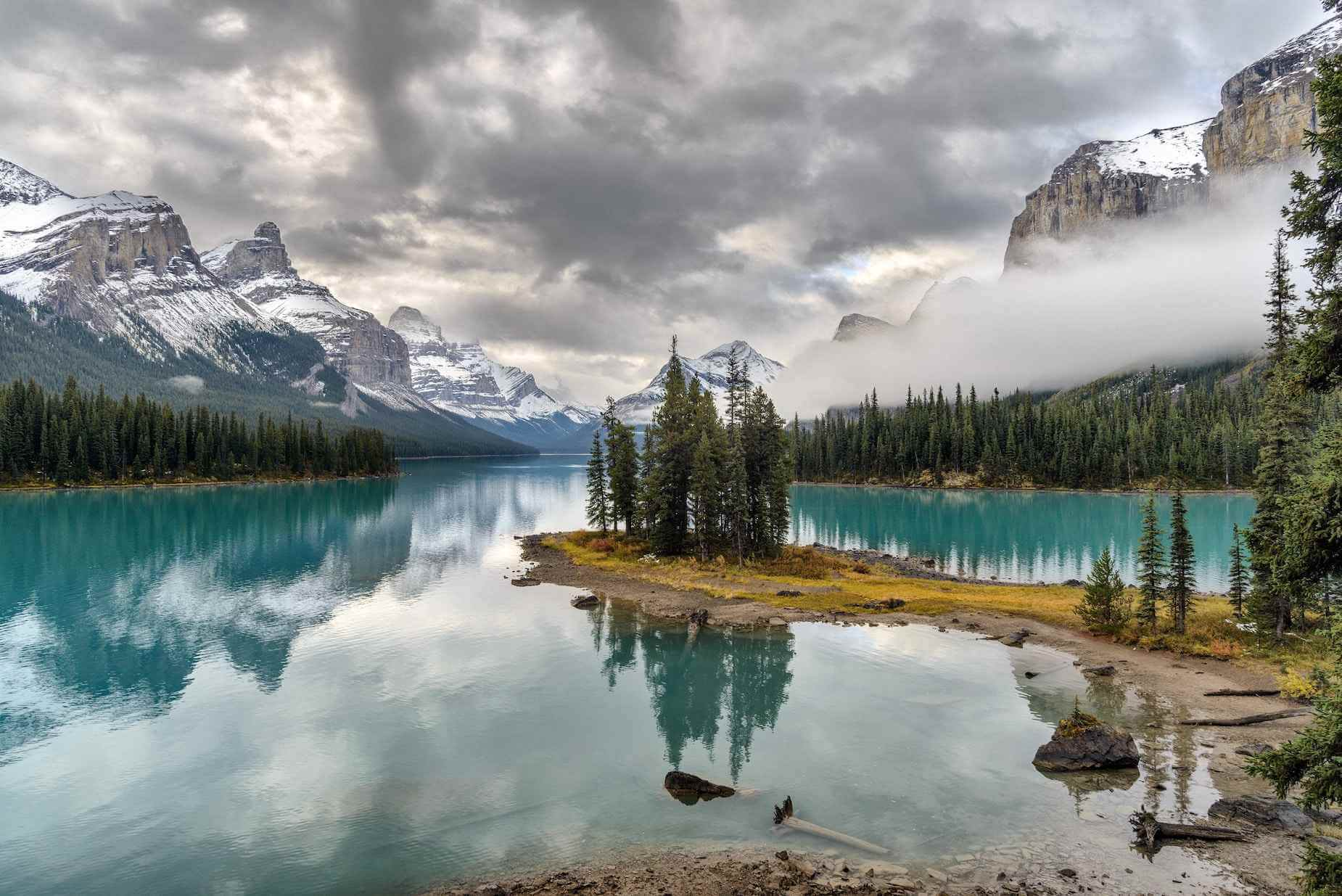 Maligne Lake West-Canada