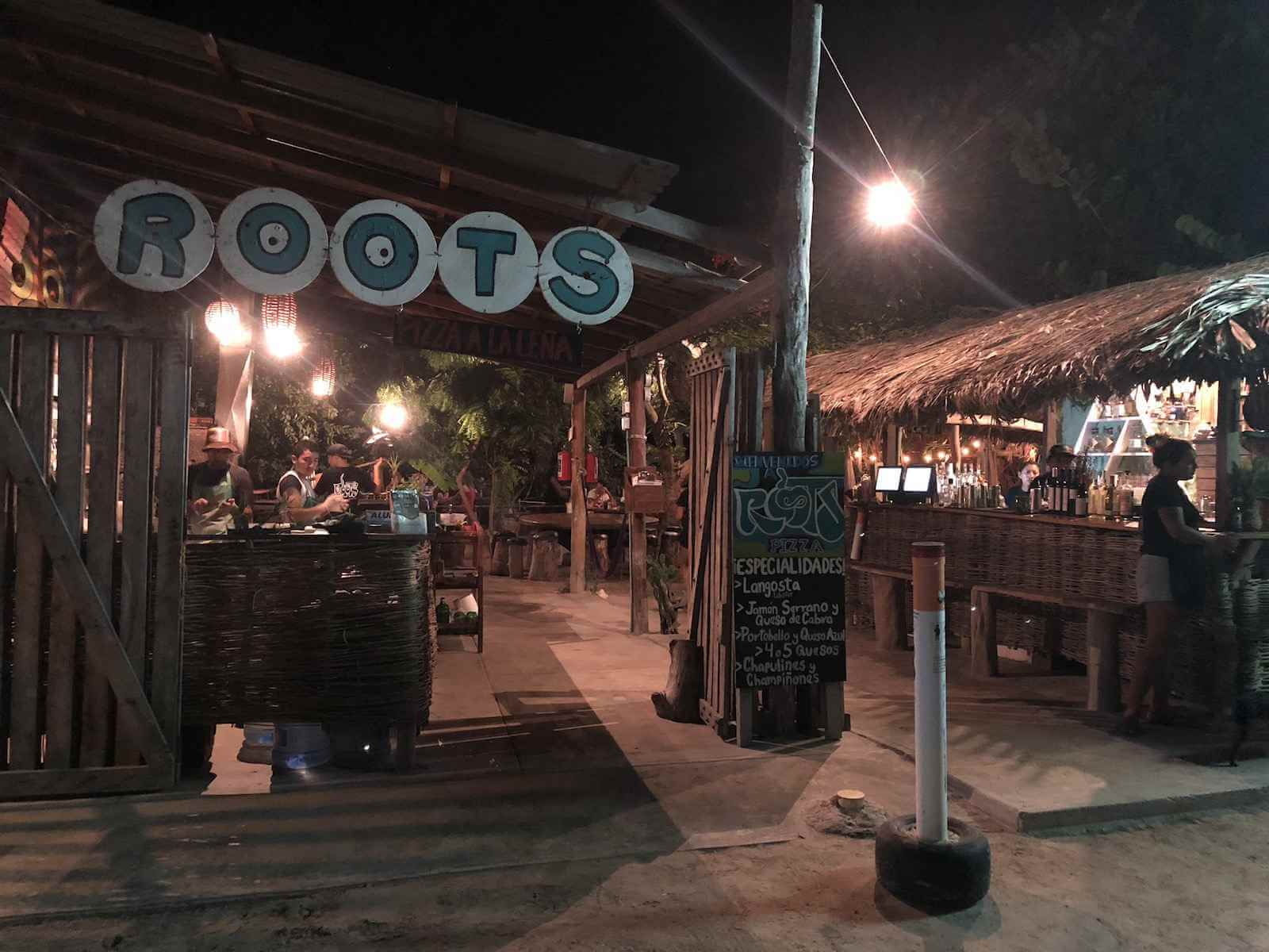pizzaria roots holbox