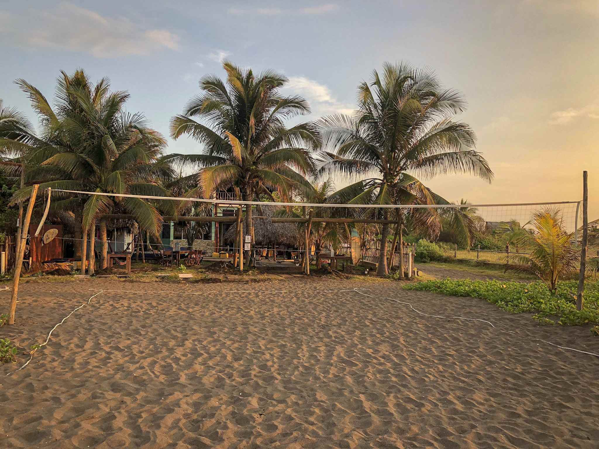El Paredon - The Driftwood Surfer hostel