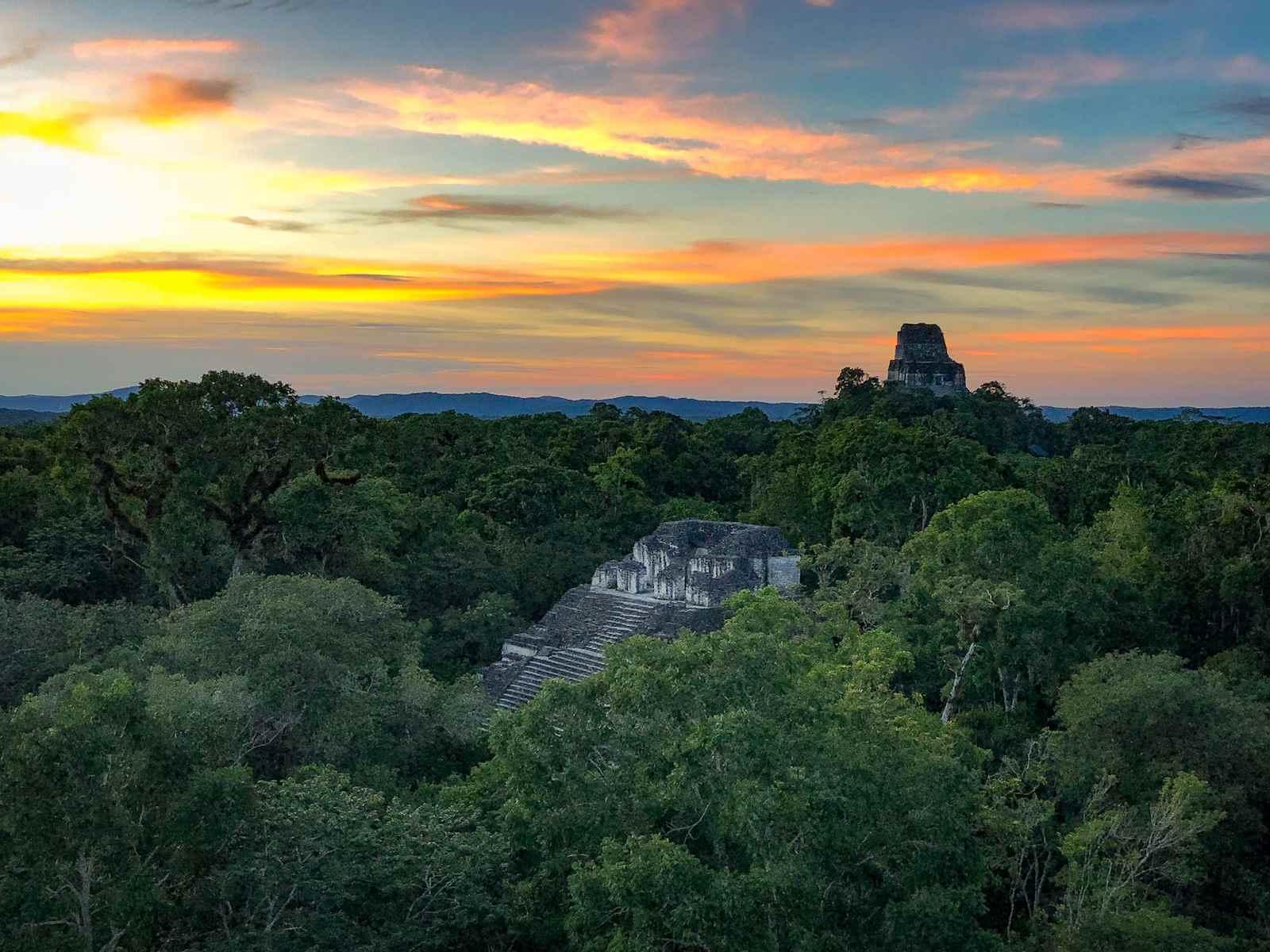 Tikal Guatemala - zonsondergang