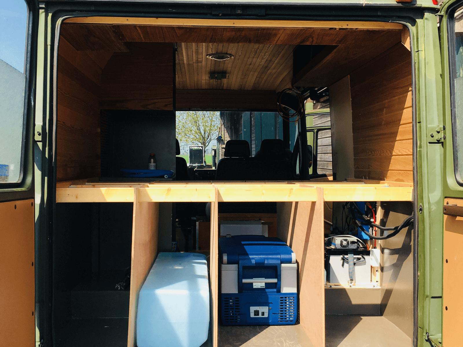 Praktische opbergruimte van camper Jaap