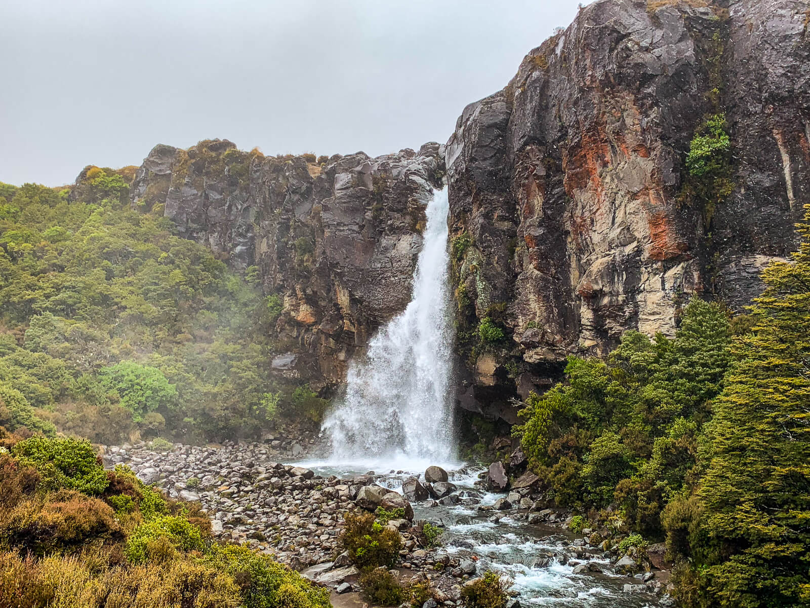 Daghikes Noodereiland - Taranaki Falls Tongariro National Park