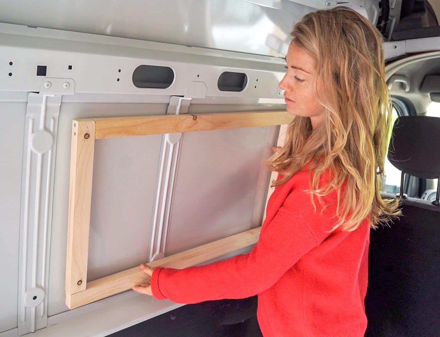Camper ramen inbouwen: positie aftekenen