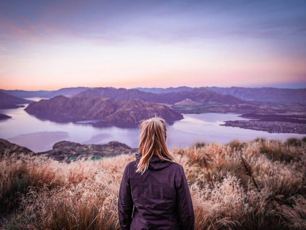 Uitzicht over Wanaka en omgeving vanaf Roys Peak