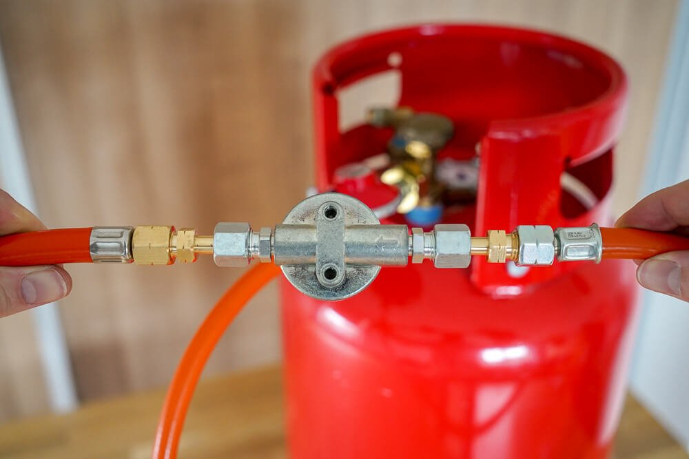 Gasslang aansluiten op LPG filter camper - by NOMADS