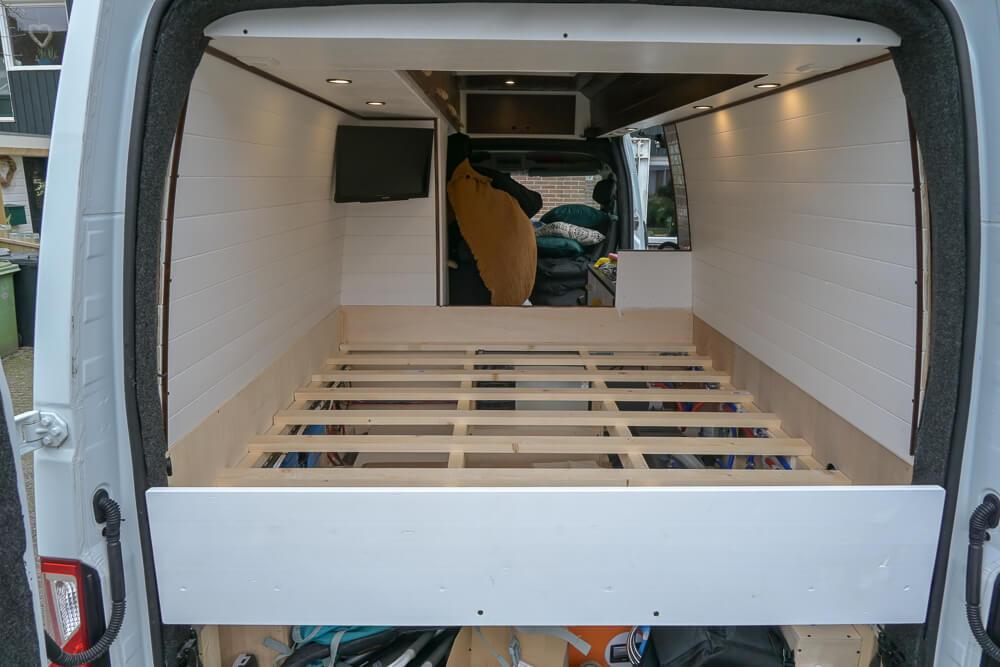 Camper bed bouwen