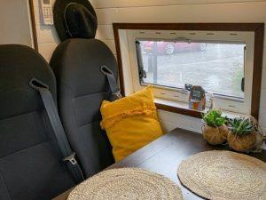 Extra zitplaatsen in onze camper