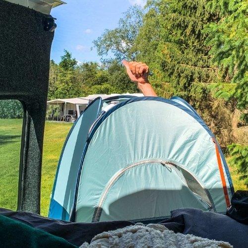 Douchetent kamperen